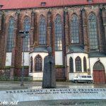 Monumento al cardenal Bolesław Kominek